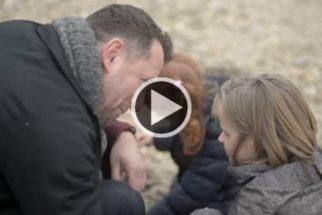 Vídeo publicitário contra o abandono de animais troca cão por criança