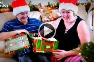 Vídeo: reação de pessoas ao ganhar cãezinhos de presente de Natal