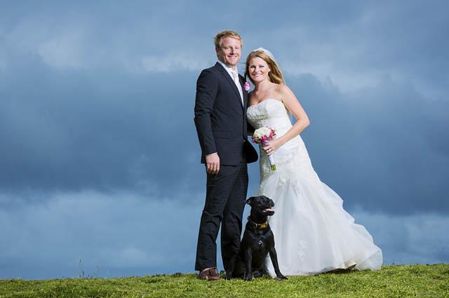 Para o cão participar da cerimônia, é preciso saber se o espaço permite a entrada de animais