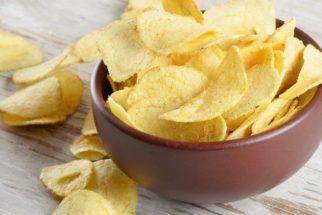 Receita de chips de batata doce e inhame para cães