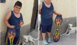 garoto-decide-vender-seu-brinquedo-favorito-pra-ajudar-cao-de-rua