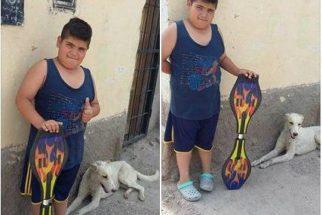 Garoto decide vender seu brinquedo favorito pra ajudar cão de rua
