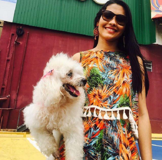 Thaynara OG descobre que Poodle de estimação está cega